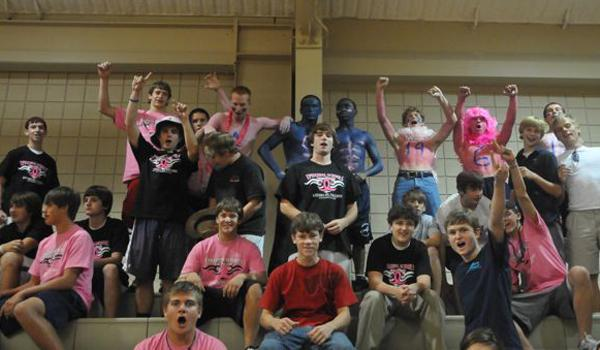 Think Pink: Gators Gather for Good Cause